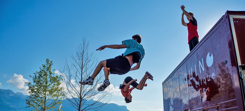Trampoline - Ecole de cirque Coquino Morges Suisse